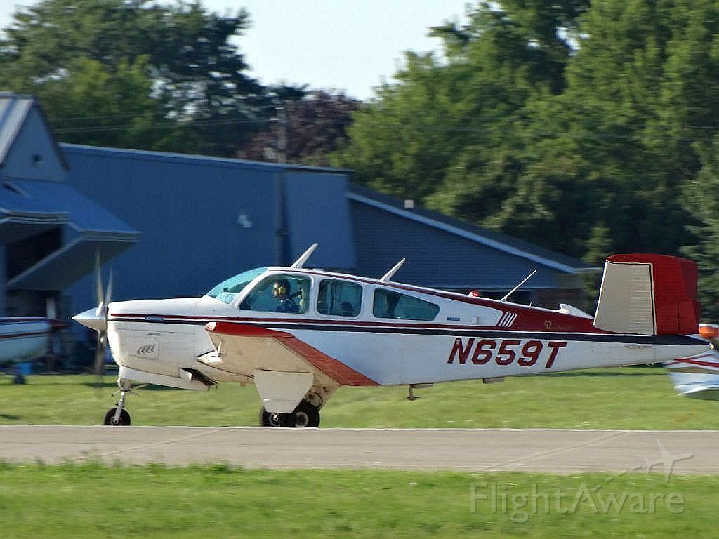Beechcraft 35 Bonanza (N659T)