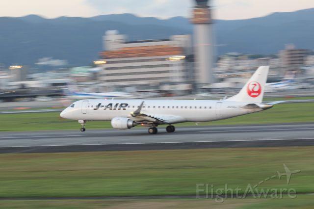 Embraer ERJ-190 (JA242J)