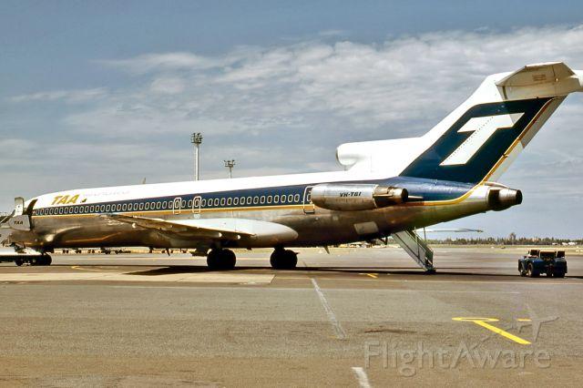 BOEING 727-200 (VH-TBI) - TRANS AUSTRALIA AIRLINES - BOEING 727-276/ADV - REG : VH-TBI (CN 20554/1027) - ADELAIDE INTERNATIONAL AIRPORT SA. AUSTRALIA - YPAD 4/12/1980