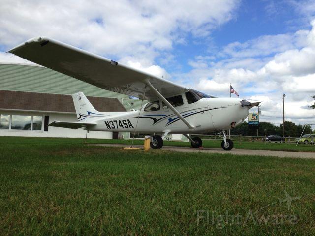 Cessna Skyhawk (N374SA)