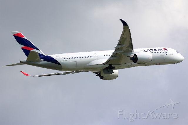 Airbus A350-900 (A7-AWD)