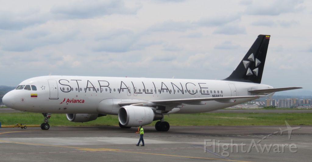 Airbus A320 (N688TA)