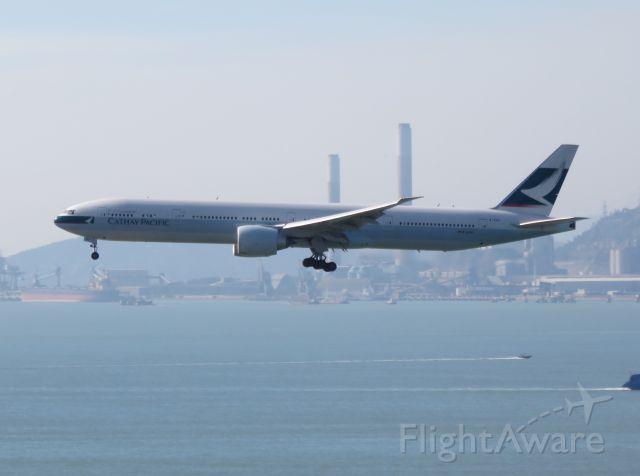 BOEING 777-300ER (B-KGV)