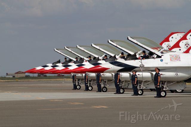 Lockheed F-16 Fighting Falcon — - USAF Thunderbirds - Travis AFB Wings Over Solano - 05/06/2017br /#1 (Commander)  Lt. Col. Jason Heardbr /#2 (Left Wing) Maj. Ryan Bodenheimerbr /#3 (Right Wing) Maj. Nate Hofmannbr /#4 (Slot) Maj. Nick Krajicekbr /#5 (Lead Solo) Maj. Alex Turnerbr /#6 (Opposing Solo) Maj. Whit Collins