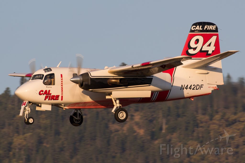 MARSH Turbo Tracker (N442DF) - On final while working the Badger Fire burning near Yreka, CA