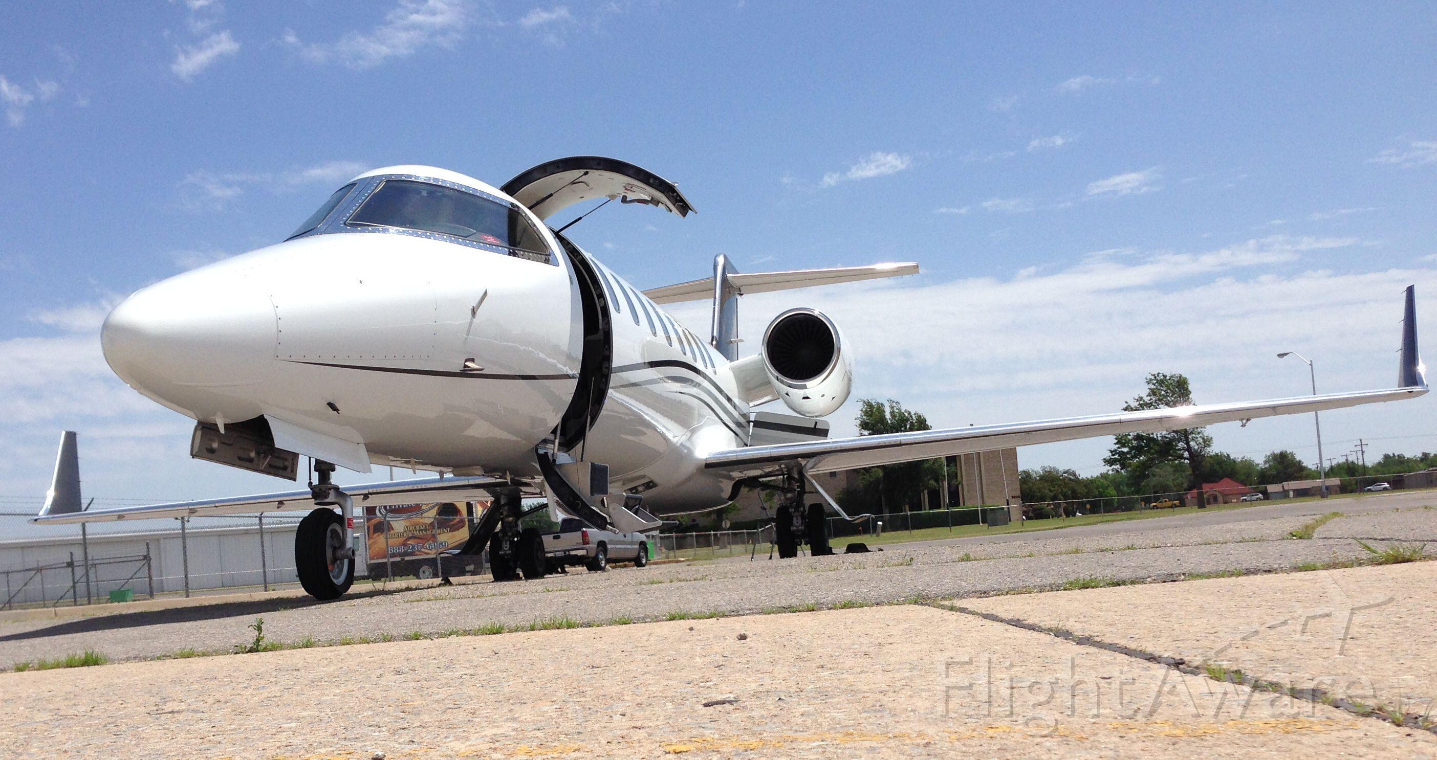 Learjet 45 (N145GP)
