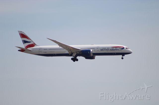 Boeing 787-9 Dreamliner (G-ZBKL) - BAW295 from London (LHR) on 7/14/20. Landing on runway 28C.