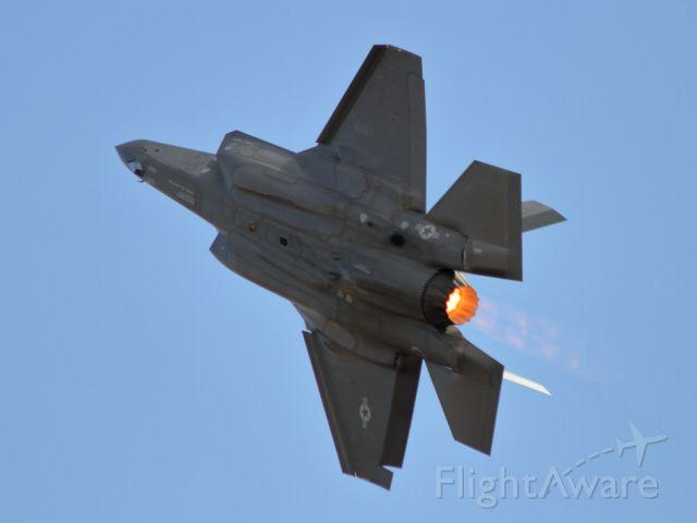 Lockheed F-35C (14-5095) - F-35A high speed pass - California Capital Airshow - 09/22/2018