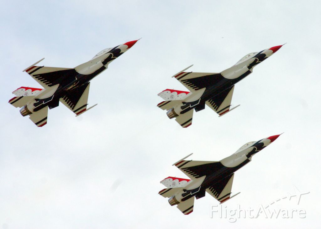 Lockheed F-16 Fighting Falcon — - The Thunderbirds fly overhead at the Rockford Air Show.