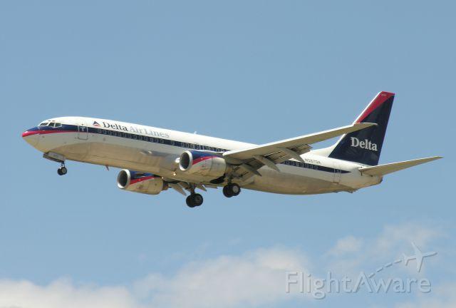 Boeing 737-800 (N387DA)