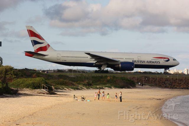Boeing 777-200 (G-YMMI)