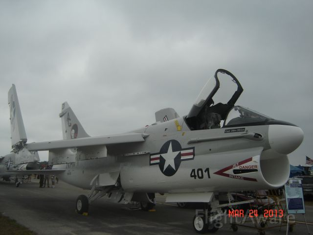 VOUGHT TA-7 Corsair 2 (15-3135) - A-7A Corsair BuNo 153135