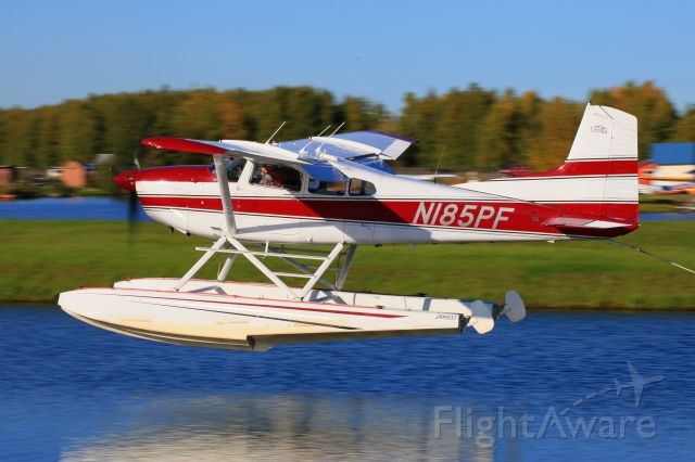 Cessna Skywagon (N185PF)