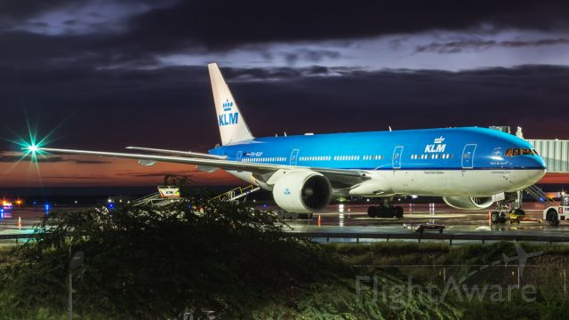 Boeing 777-200 (PH-BQP) - Parked at Gate 1. Finally, KLM  has made my dream come true to start using B777 service to Bonaire and Aruba. Welcome!