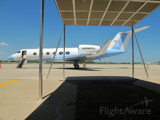 Gulfstream Aerospace Gulfstream IV (N236MJ)