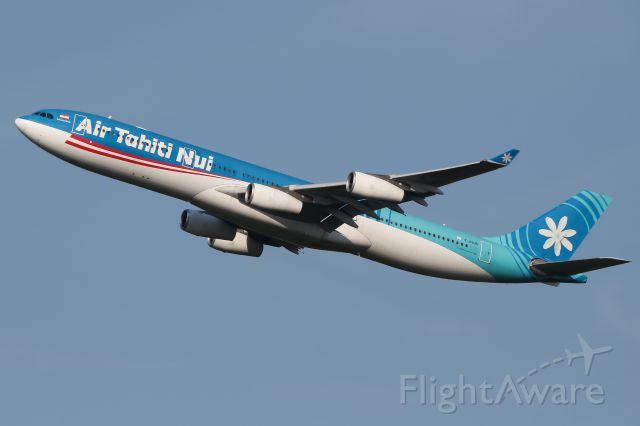 Airbus A340-300 (F-OSUN)