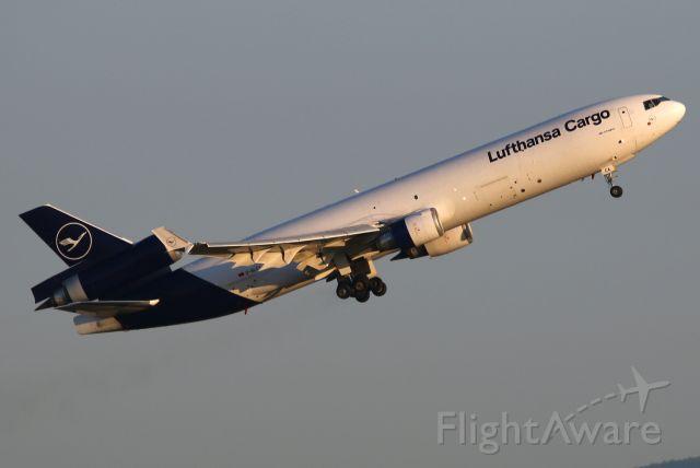 Boeing MD-11 (D-ALCA)