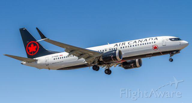 Boeing 737 MAX 8 (C-FSDW)