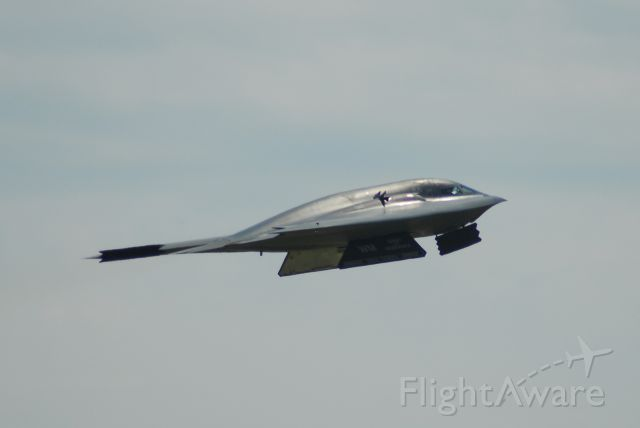 — — - B-2 taking off at Wings Over Whiteman 2009.