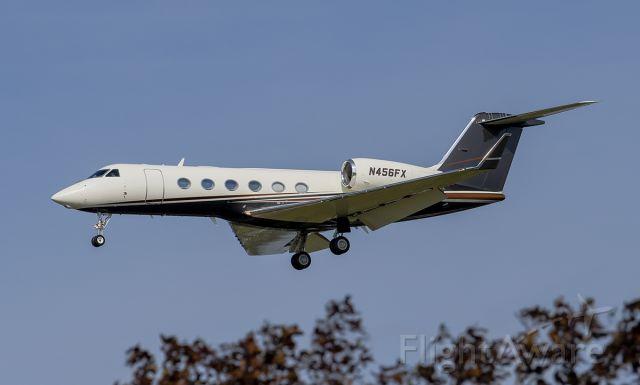 Gulfstream Aerospace Gulfstream IV (N456FX) - Runway 20R arrival @KDPA.