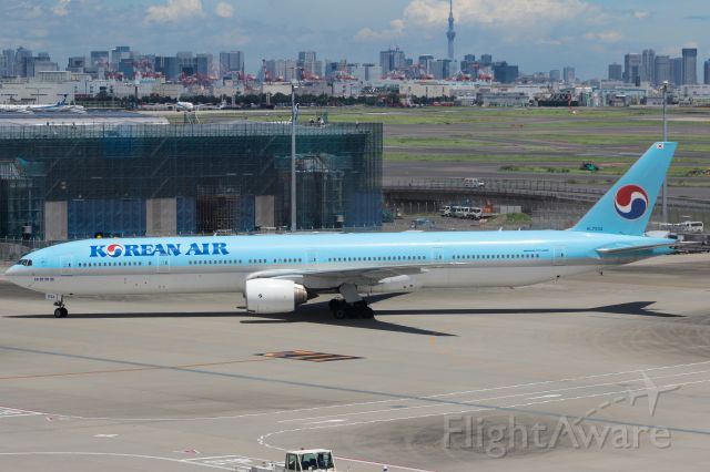 BOEING 777-300 (HL7534)