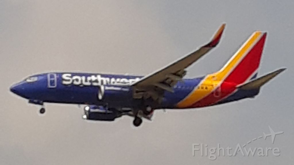 Boeing 737-700 (UNKNOWN) - Landing 13R, taken at Bachman Lake.br /My pickbr /Sorry for pure quality. Galaxy phone pin.