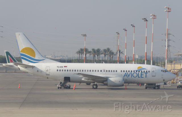 BOEING 737-300 (YU-ANI)