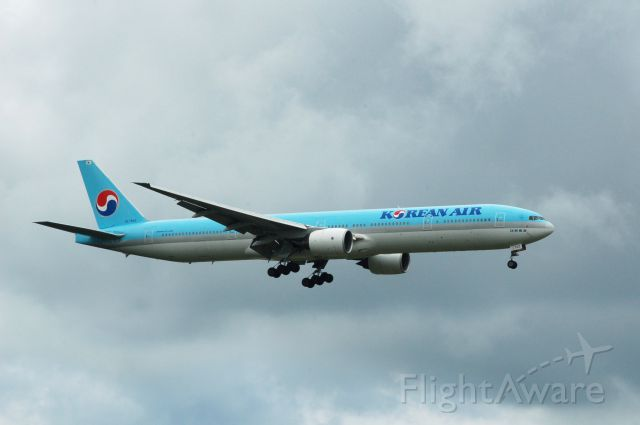 BOEING 777-300 (HL7533) - Boeing 777-3BK c/n 27948/178