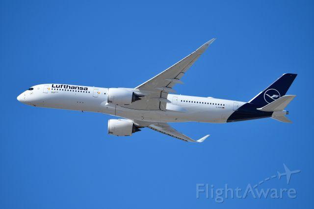 Airbus A350-900 (D-AIXN) - 28-4 04-15-19