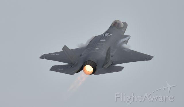 Lockheed F-35C (11-5037) - Flying at Airventure 2017