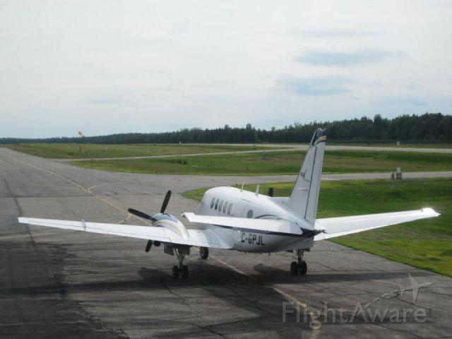 Beechcraft King Air 100 (MAX140)