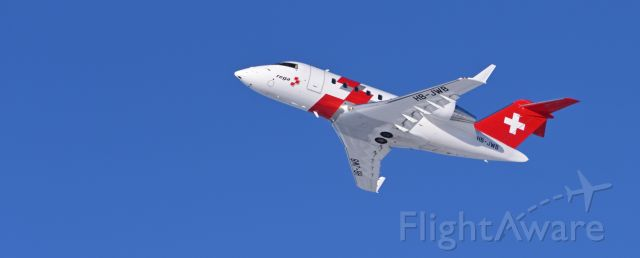 Canadair Challenger (HB-JWB) - Departing runway 26.