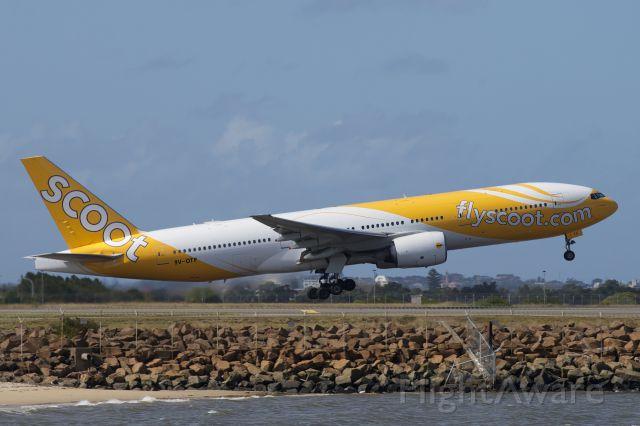 Boeing 777-200 (9V-OTF)
