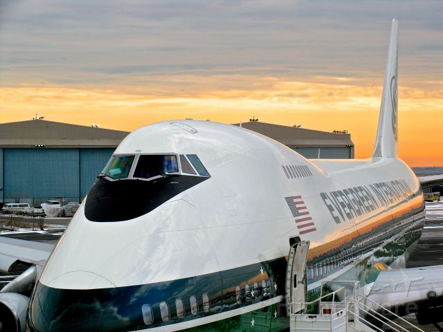 Boeing 747-200 (N470EV)
