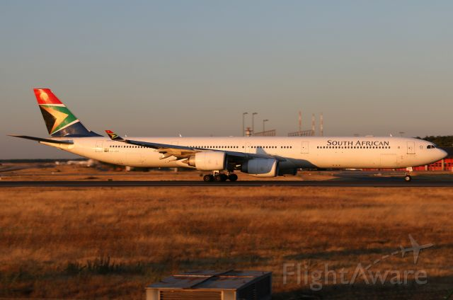 Airbus A340-600 (ZS-SNA)