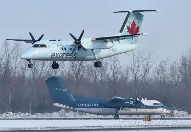 de Havilland Dash 8-100 (C-GJIG) - Lining up on rwy 25 on a flight from Montreal, photo taken on 18-Jan-14.