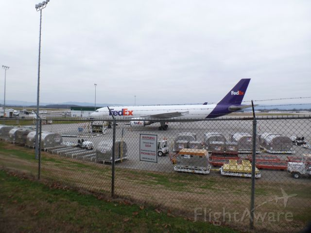 Airbus A300F4-600 (N652FE) - At the cargo ramp