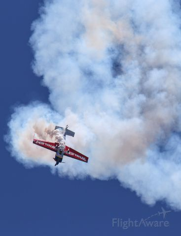 EXTRA EA-300 (N821MG) - A great stunt show at Sun N Fun.