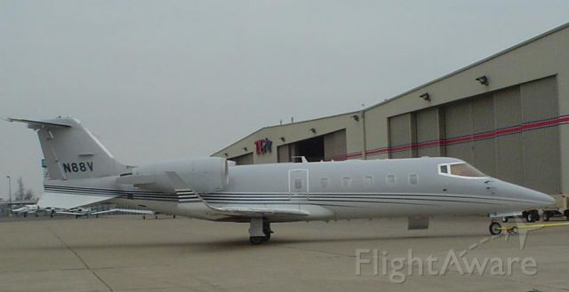 Learjet 60 (N88V) - Super Learjet 60 N88V at The Bluegrass Airport Lexinton KY ....Photo by Mike Day