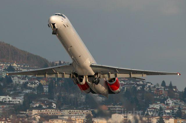 McDonnell Douglas MD-90 (OY-KIN)