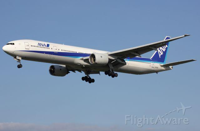 Boeing 777-200 (JA757A)