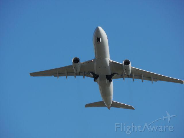 Airbus A330-300 (N282AY)