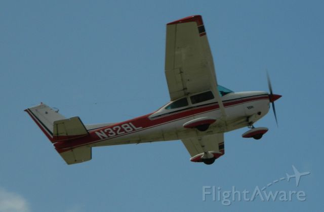 Cessna Skylane (N328L) - N328L Departs Flabob during the EAAs Young Eagle Program.