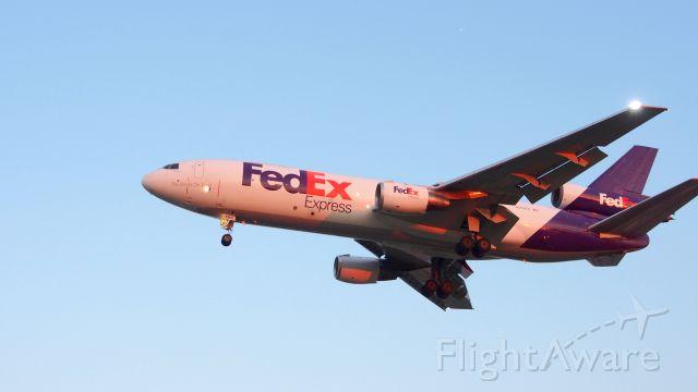 McDonnell Douglas DC-10 (N560FE) - FedEx N560FE at YYZ August 6, 2015 8.23 PM