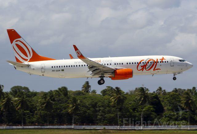 Boeing 737-800 (PR-GUN)