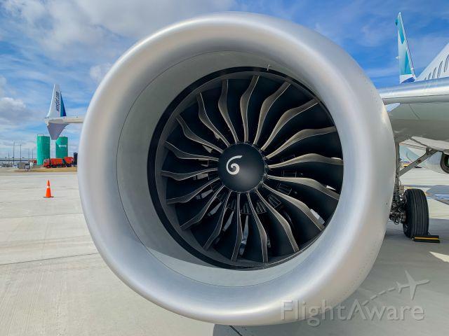 Boeing 737 MAX 8 (C-GZSG)