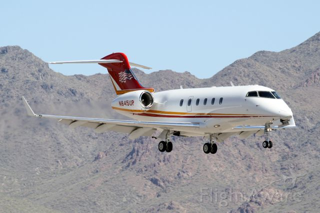 Bombardier Challenger 300 (N845UP)