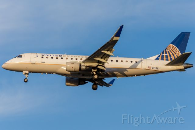 Embraer 175 (N135SY) - Evening 34R arrival from San Francisco. This livery is made so much better by good golden hour light :)