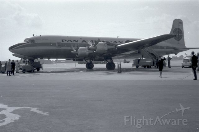 Douglas DC-6 (N6521C) - 1966 at Düsseldorf (EDDL)