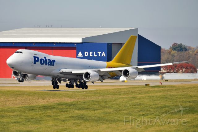 BOEING 747-8 (N852GT) - Seconds away from touching down 18-L on 11-08-20